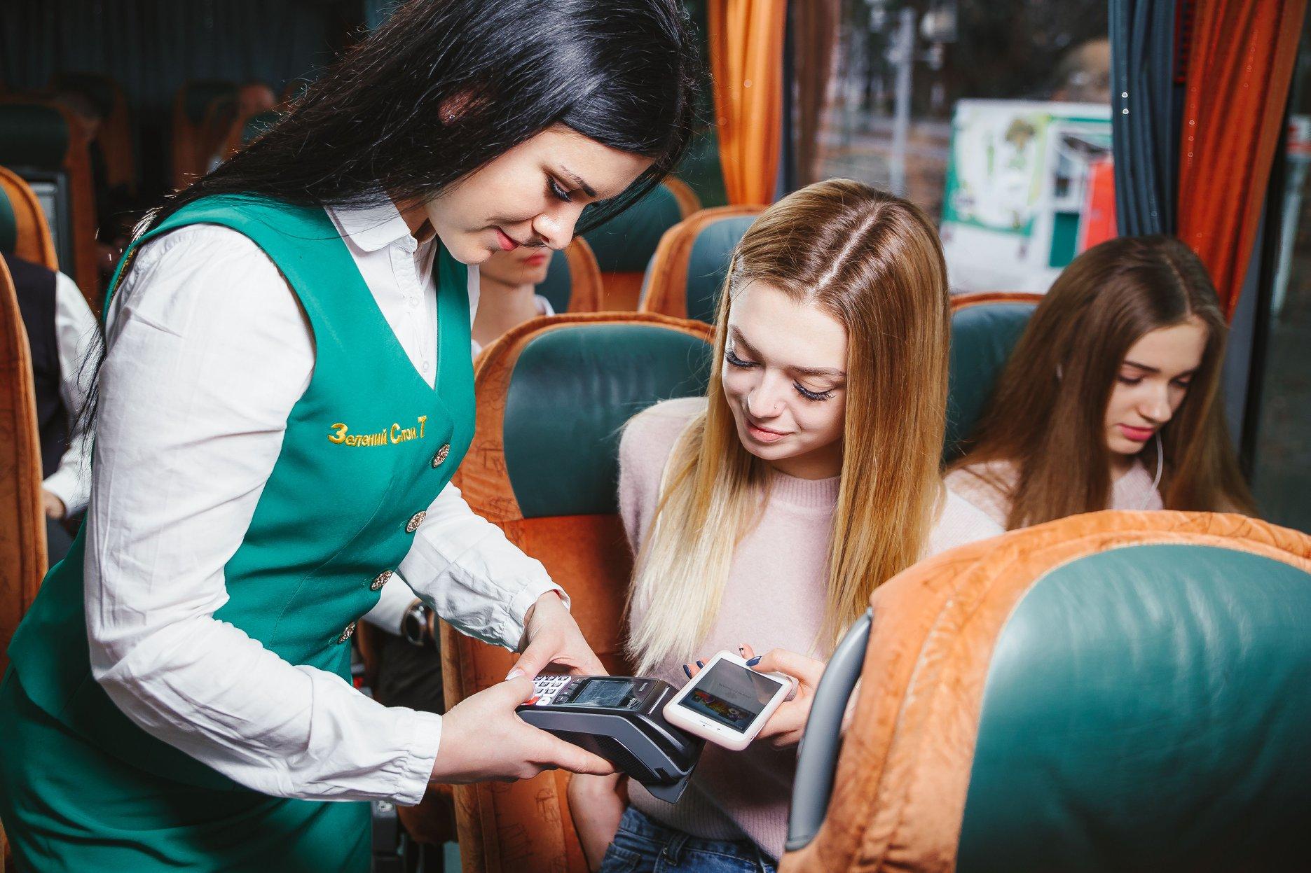 В автобусах компанії «Зелений слон 7» встановлено POS термінали